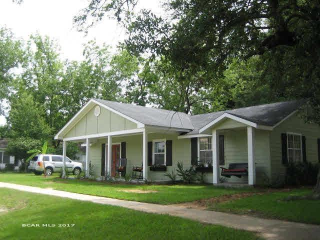 818 Fairhope Avenue, Fairhope, AL 36532