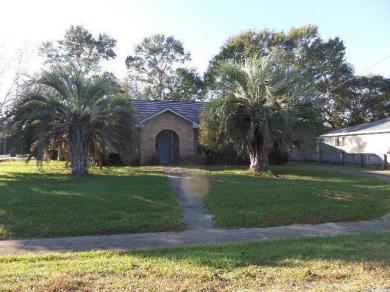 501 W Amanda Avenue, Foley, AL 36535