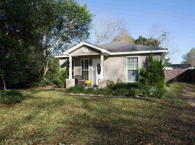 Photo of 18939 Georgia St, Robertsdale, AL 36567