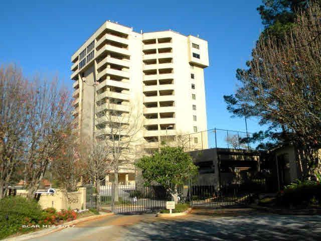 100 Tower Drive #704, Daphne, AL 36526