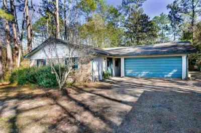 Photo of 9292 Hammock Rd, Elberta, AL 36530