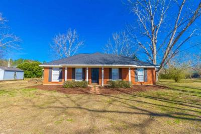 Photo of 25141 Woerner Rd, Elberta, AL 36530