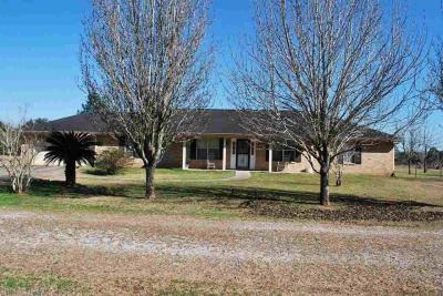 Photo of 11888 Stucki Rd, Elberta, AL 36530