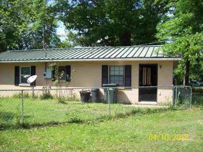 Photo of 206 E Jackson Av, Summerdale, AL 36580