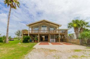 2402 Choctaw Road, Gulf Shores, AL 36542