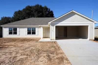 Photo of 258 Lakefront Circle, Summerdale, AL 36580