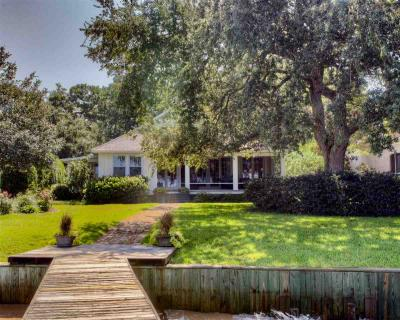 Photo of 5430 Battles Wharf Drive, Fairhope, AL 36532