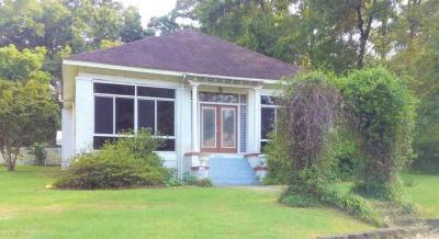 Photo of 1807 Cleveland Avenue, Castleberry, AL 36432