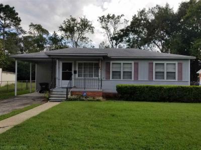 Photo of 13 Edinborough Avenue, Chickasaw, AL 36611
