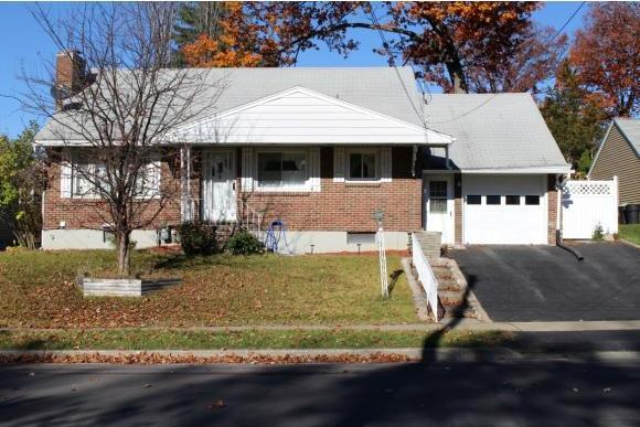2803 Crescent Dr, Endwell, NY 13760