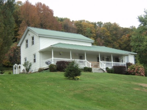 955 Kinney Road, Friendsville, PA 18818