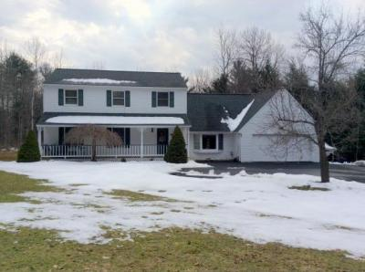 Photo of 20 Timber Bluff Court, Binghamton, NY 13903