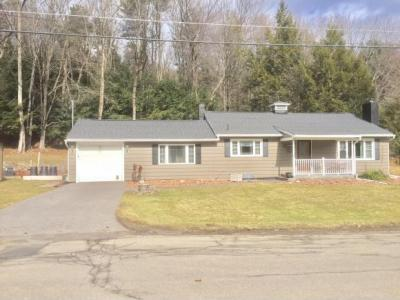 Photo of 42 Wallace Rd, Binghamton, NY 13905