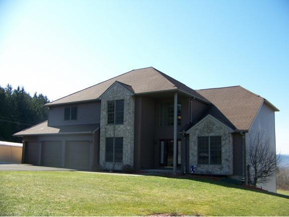 2 Eric Drive, Johnson City, NY 13790