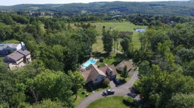 Photo of 247 Hillside Ter, Endicott, NY 13760