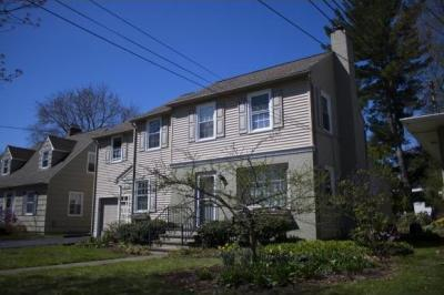 Photo of 35 Rugby Rd, Binghamton, NY 13905