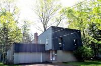 970 Southern Pines Dr, Endicott, NY 13760