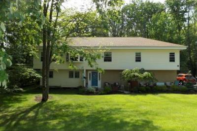 Photo of 963 Southern Pines Drive, Endwell, NY 13760
