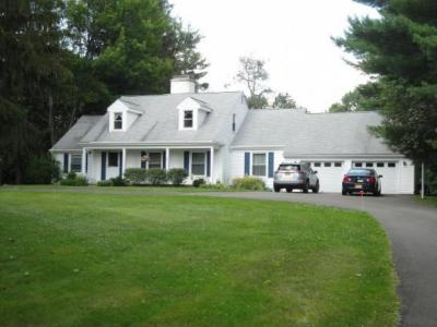 Photo of 3533 Smith Dr, Endwell, NY 13760