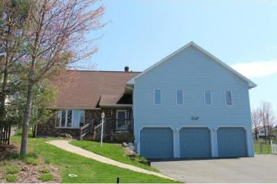Photo of 328 Hearthstone Dr, Endwell, NY 13760