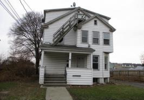 32 Arthur St, Endicott, NY 13760