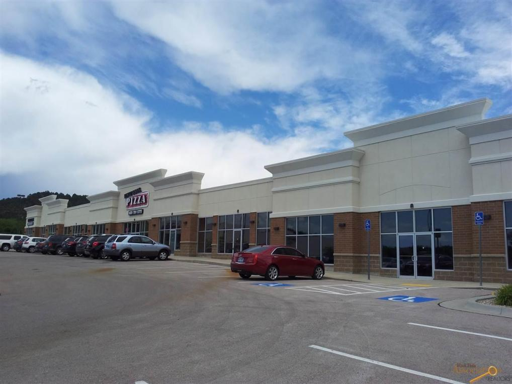 Rushmore Crossing in Rapid City, SD, is home to a wide range of stores, restaurants and services. Visit the website for store sales, contact numbers and leasing information. Rushmore Crossing is managed by American Realty Capital Properties, Inc.