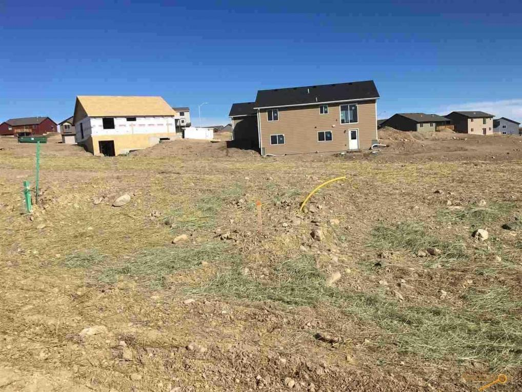 910 Summerfield Dr, Rapid City, SD 57703