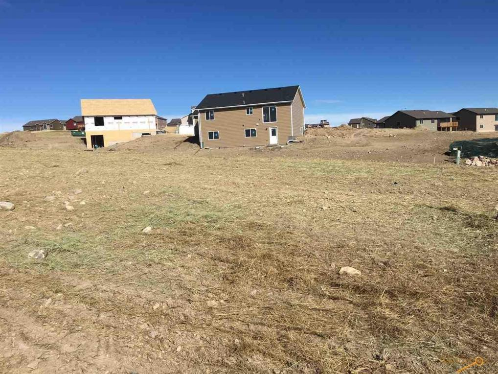 930 Summerfield Dr, Rapid City, SD 57703