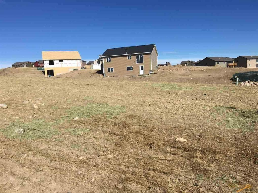 950 Summerfield Dr, Rapid City, SD 57703