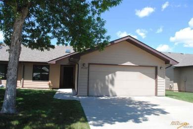 4145 Pinehurst Dr, Rapid City, SD 57702