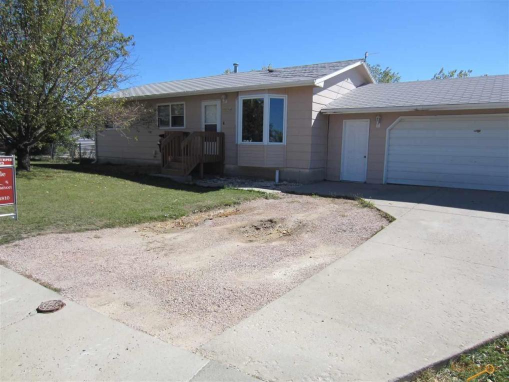 1514 Plateau Ln, Rapid City, SD 57703