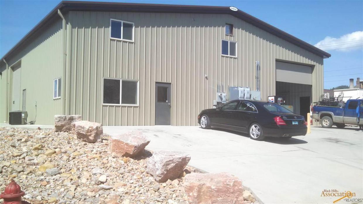 145 S River St, Hot Springs, SD 57747