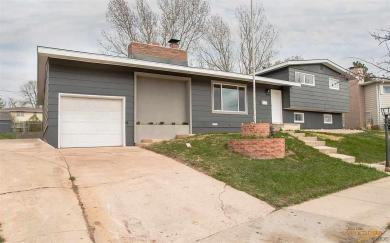 2946 Country Club Dr, Rapid City, SD 57702