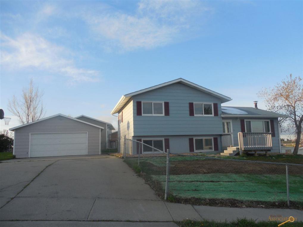630 Lindbergh Ave, Rapid City, SD 57701