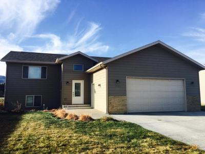 Photo of 1723 Iron Horse Loop, Spearfish, SD 57783