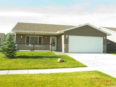 Photo of 6813 Mulberry Dr, Summerset, SD 57718