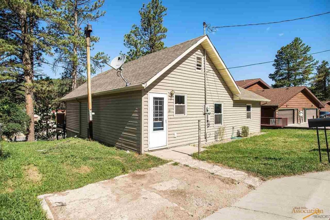 351 Pine Mt Ave, Hill City, SD 57745