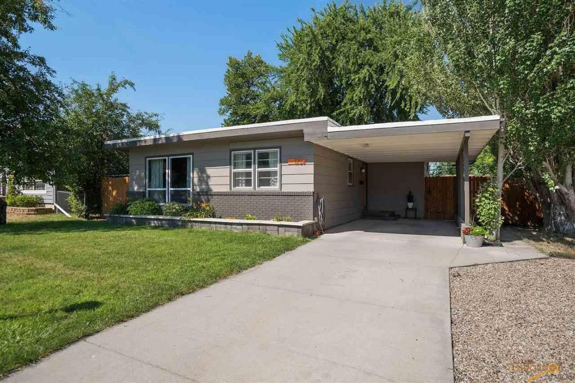 1709 Lodge, Rapid City, SD 57702