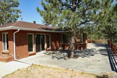 Photo of 27283 Estates Rd, Hot Springs, SD 57747
