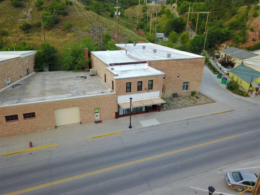 403 N River St, Hot Springs, SD 57747