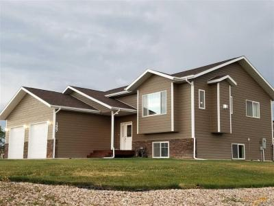 Photo of 1467 Walworth St, Belle Fourche, SD 57717