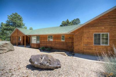 Photo of 330 Mountain View Dr, Lead, SD 57754