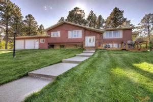 4001 Canyon Dr, Rapid City, SD 57702