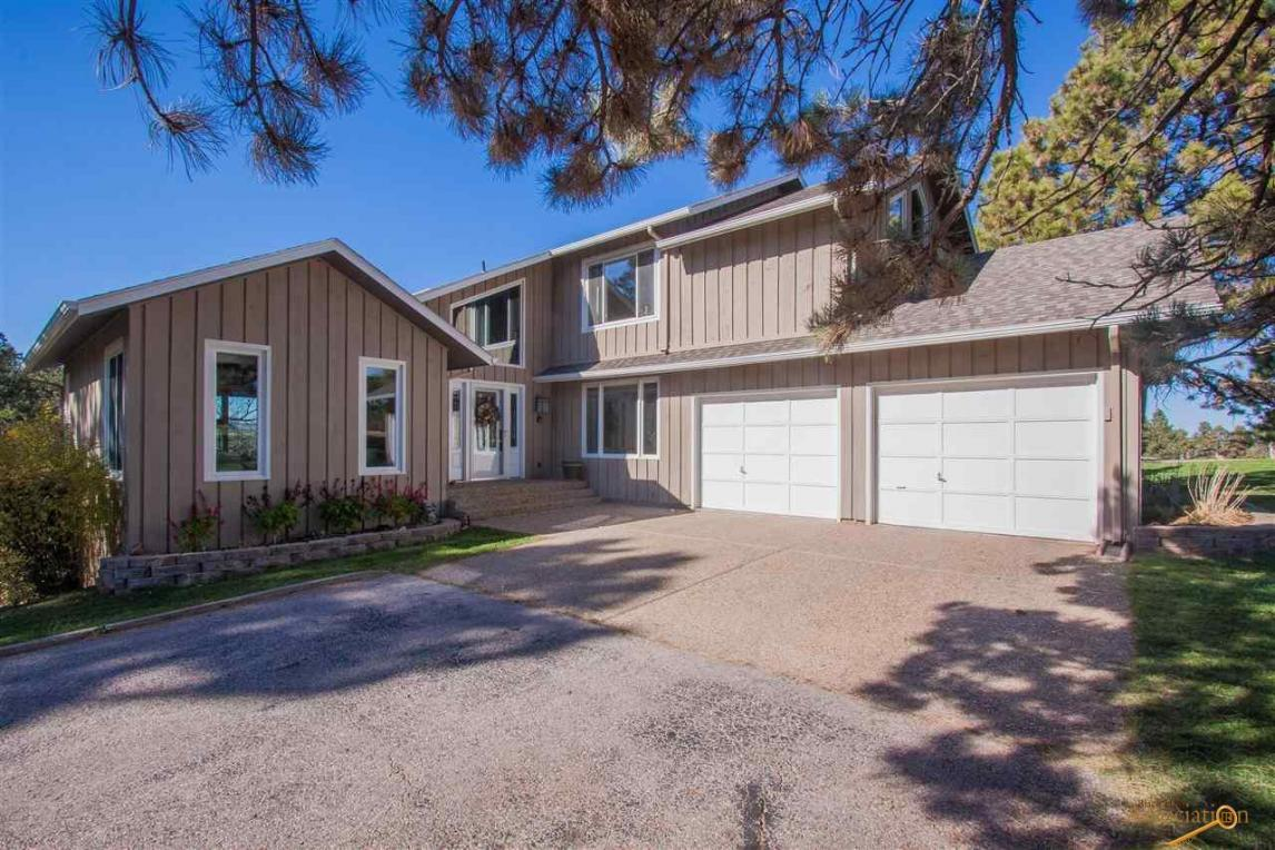 4711 Carriage Hills Dr, Rapid City, SD 57702