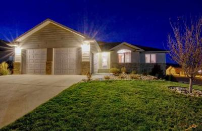 Photo of 622 Other Silverleaf Drive, Spearfish, SD 57783