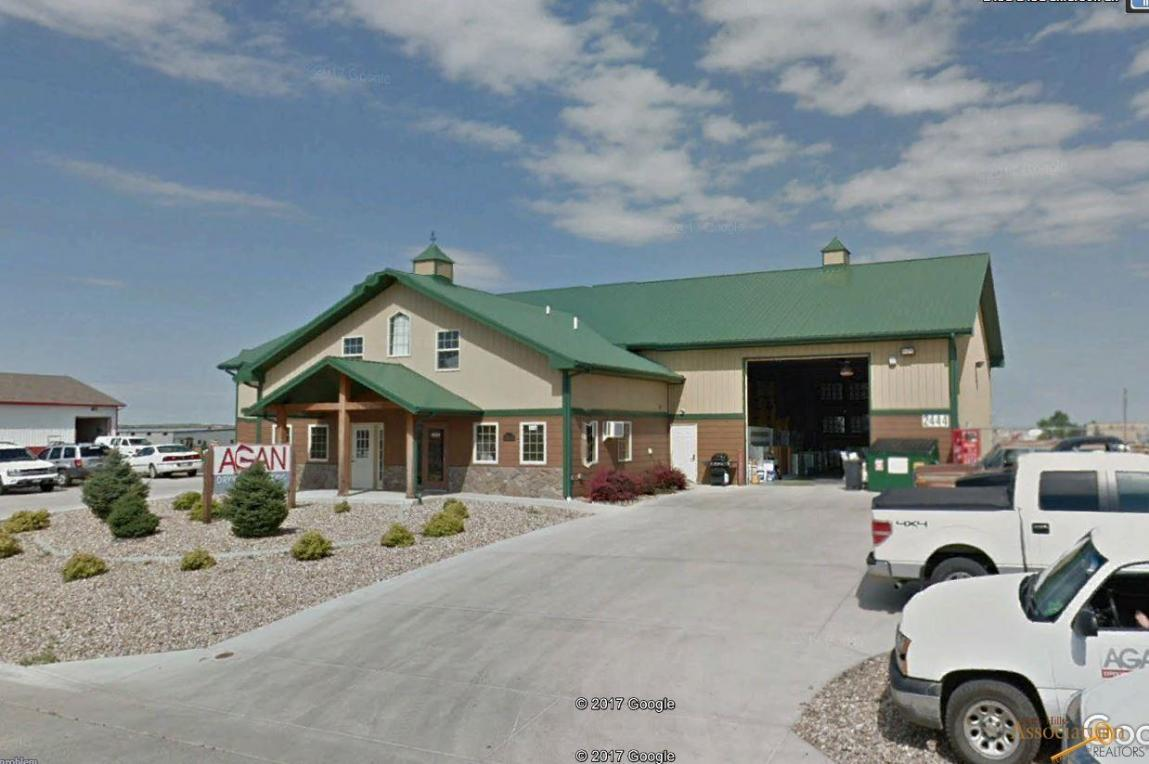 2444 Emerson Ln, Rapid City, SD 57703