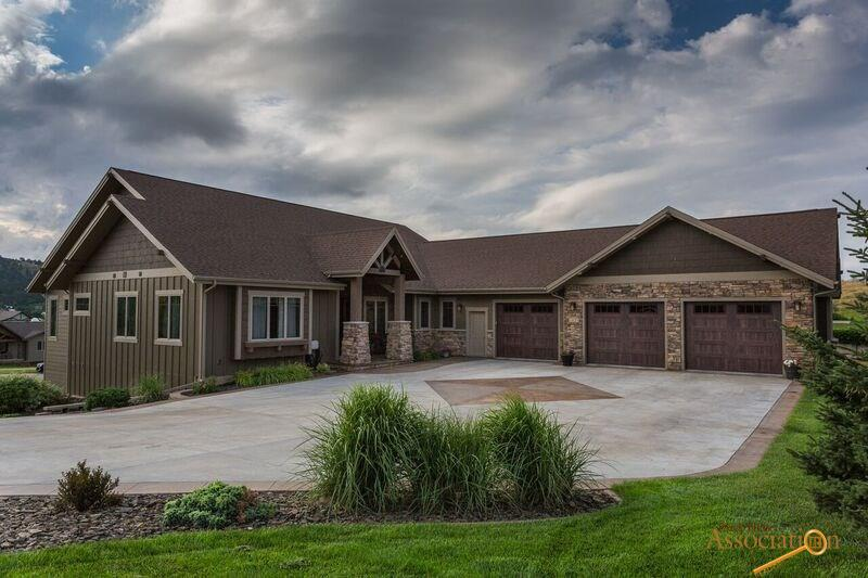 3431 Nicklaus Dr, Rapid City, SD 57702
