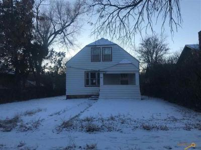 Photo of 342 S 6th St, Hot Springs, SD 57747