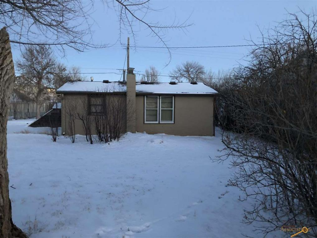 816 Taylor Ave, Rapid City, SD 57701