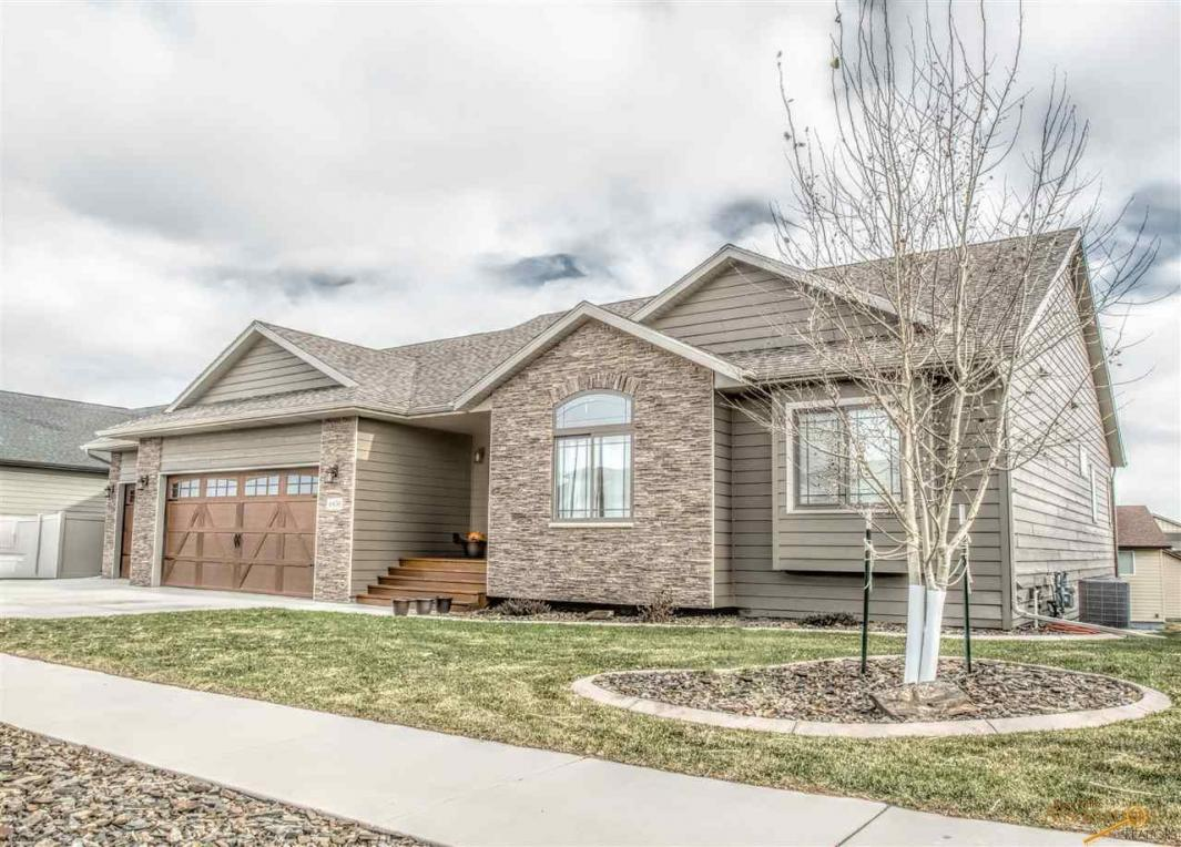 6436 Dunsmore Rd, Rapid City, SD 57702